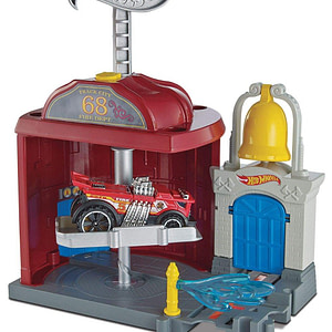 Set circuit cu masinuta Hot Wheels City